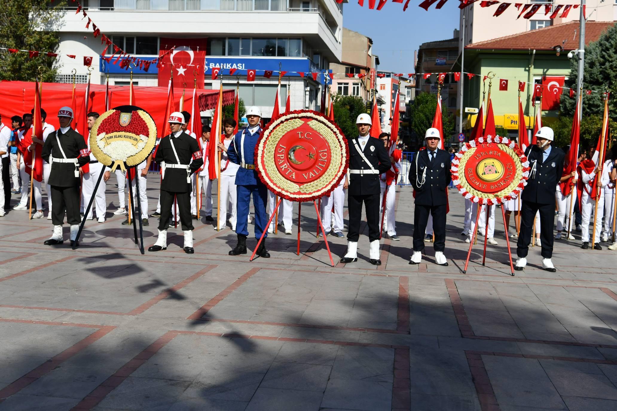 Isparta'daki 30 Ağustos Zafer Bayramı Kutlamarı