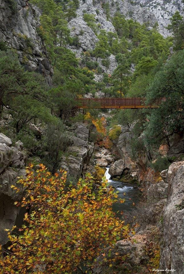 Isparta Sütçüler Yazılı Kanyon Tabiat Parkı ve sonbahar